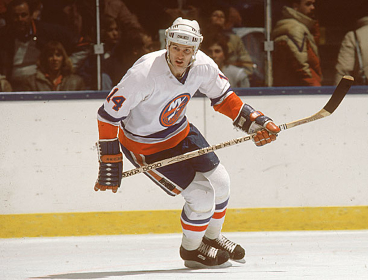 Former New York Islander Bob Bourne is one of 200 players to join in a concussion lawsuit against the NHL.