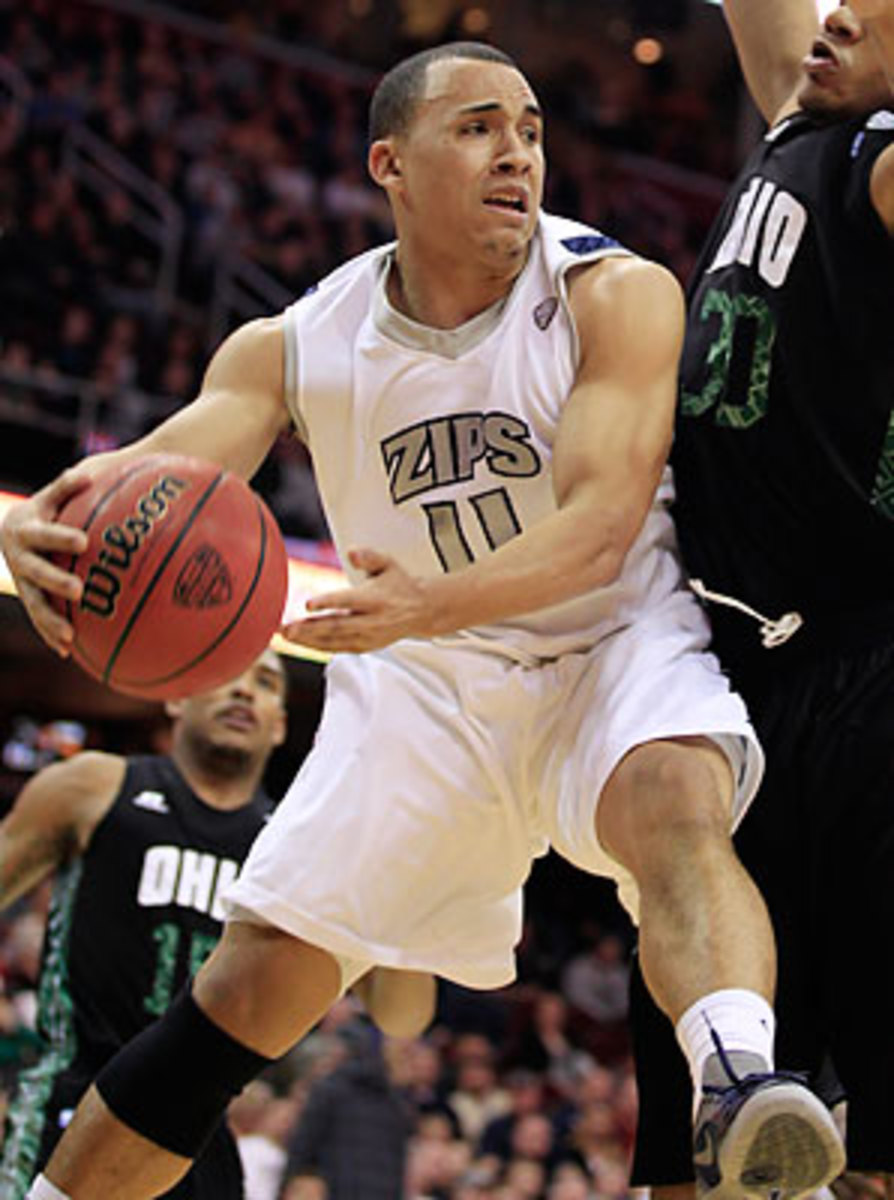 Alex Abreu averaged 10.3 points per game last season before being suspended.