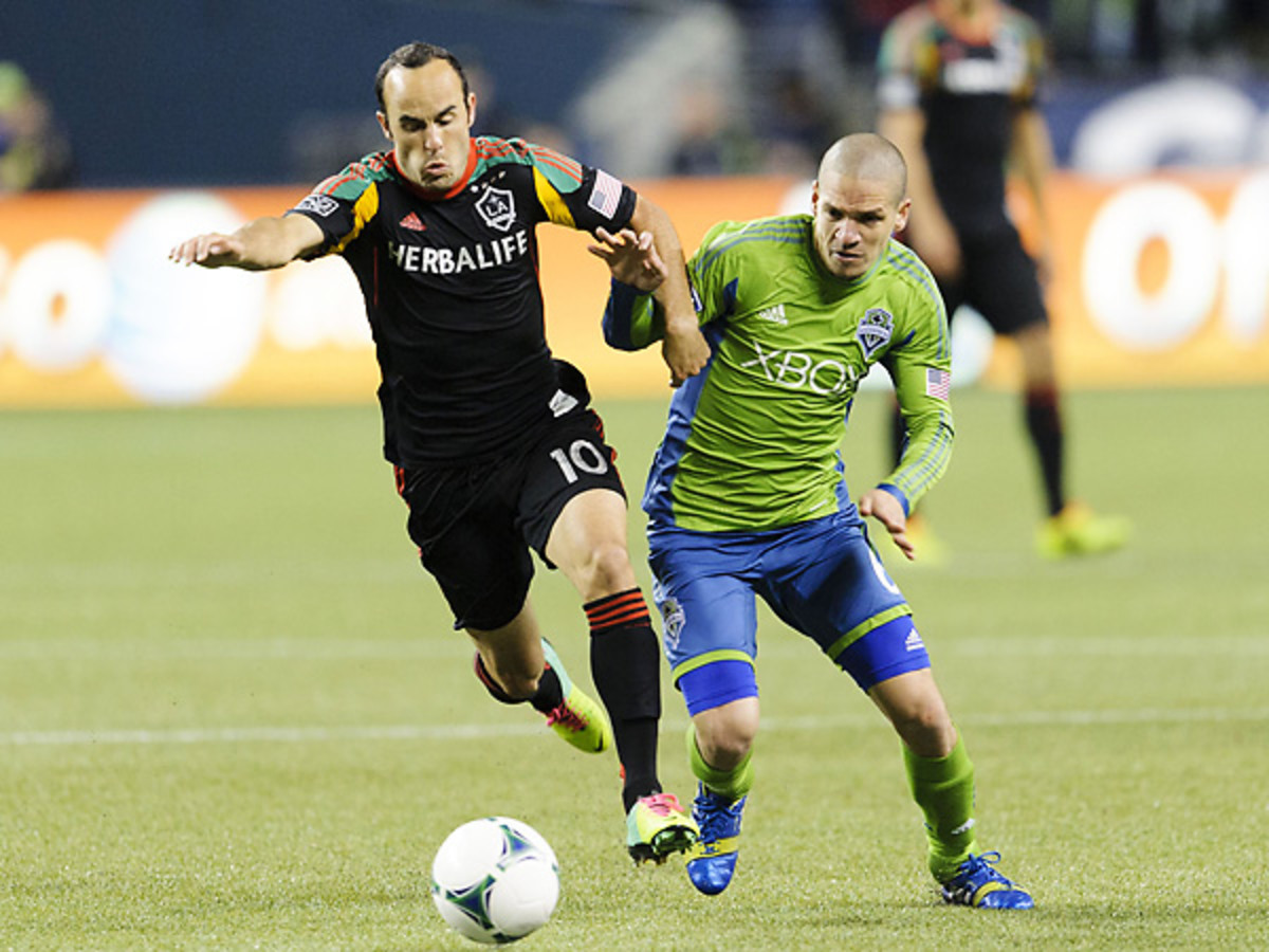 Landon Donovan and the Galaxy drew on the final game of the regular season. (Steven Bisig/USA Today Sports)