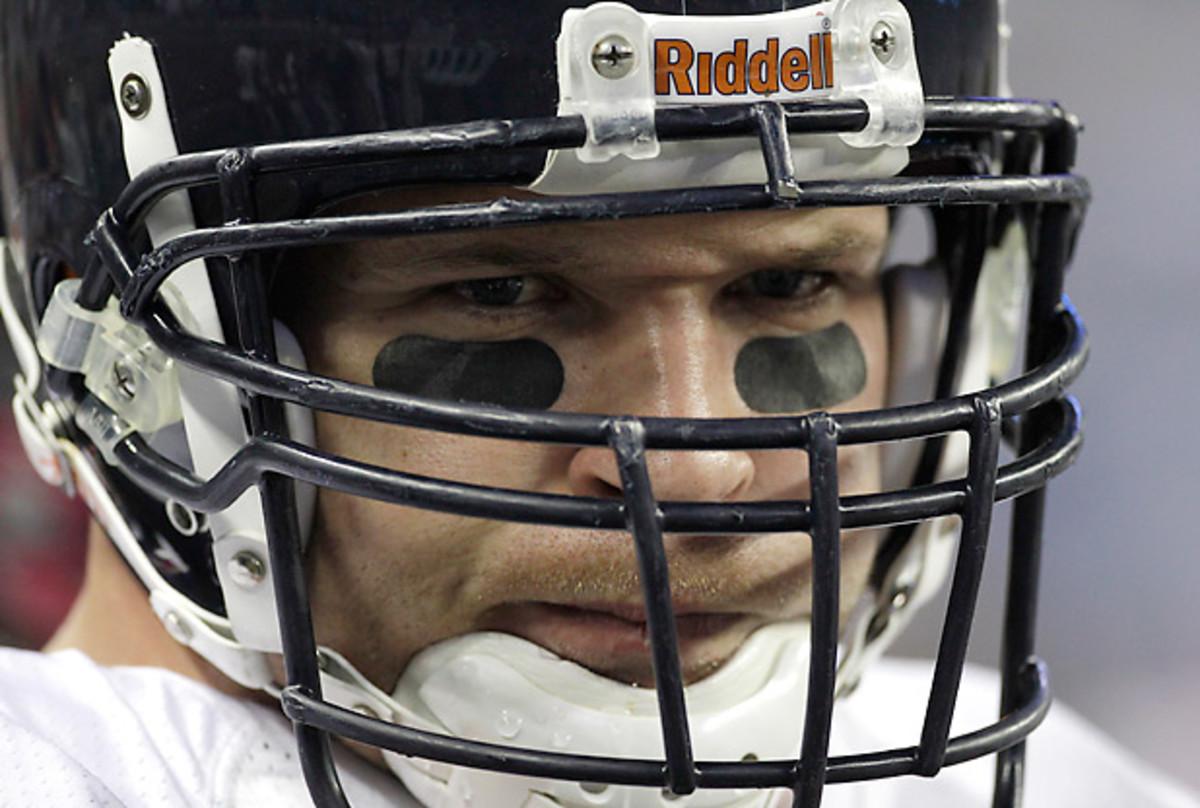 Brian Urlacher had 1,779 tackles, 41.5 sacks and 22 interceptions in 13 seasons. (Paul Sancya/AP)