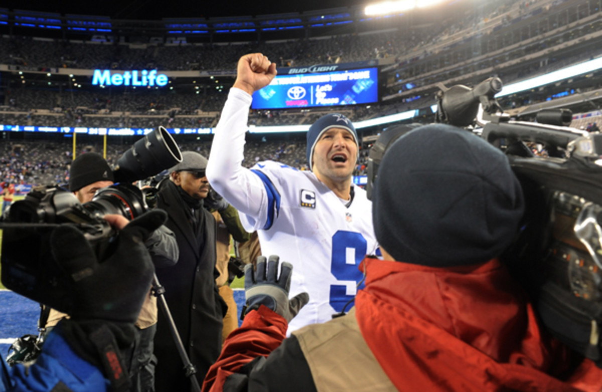 Tony Romo took his team back to the top of the NFC East.