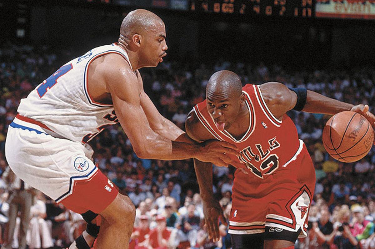 Michael Jordan drives on Charles Barkley