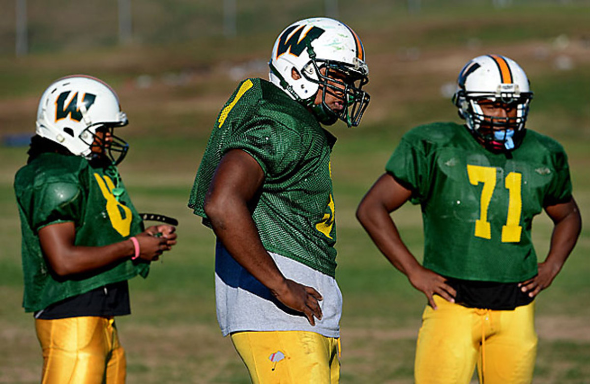 Woodbridge (Va.) High defensive tackle Da'Shawn Hand remains the top prospect in the Class of 2014.