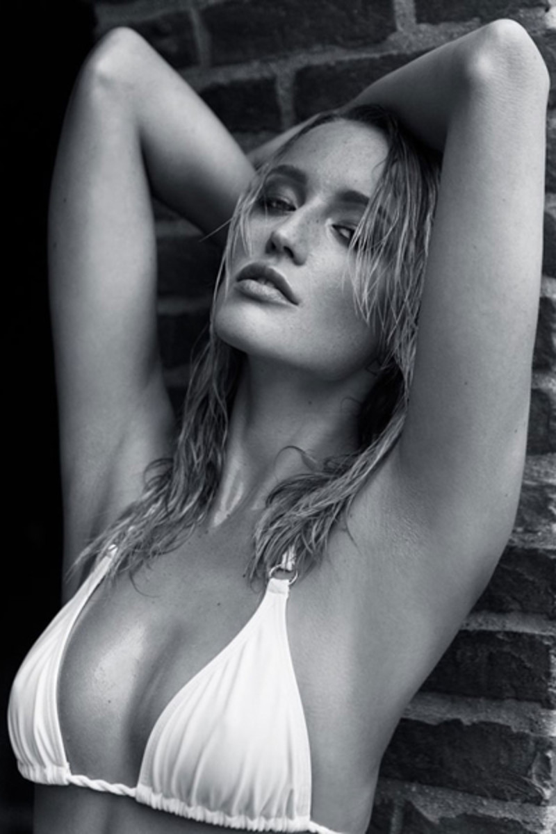 Sarah Dumont :: Maxim