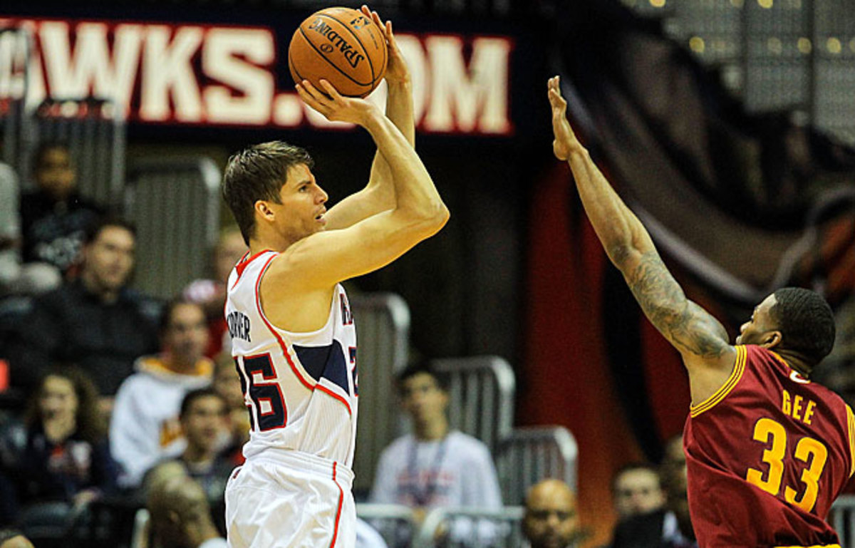 Kyle Korver hit a three-pointer in his 90th straight game, setting an NBA record dating back to 1996.