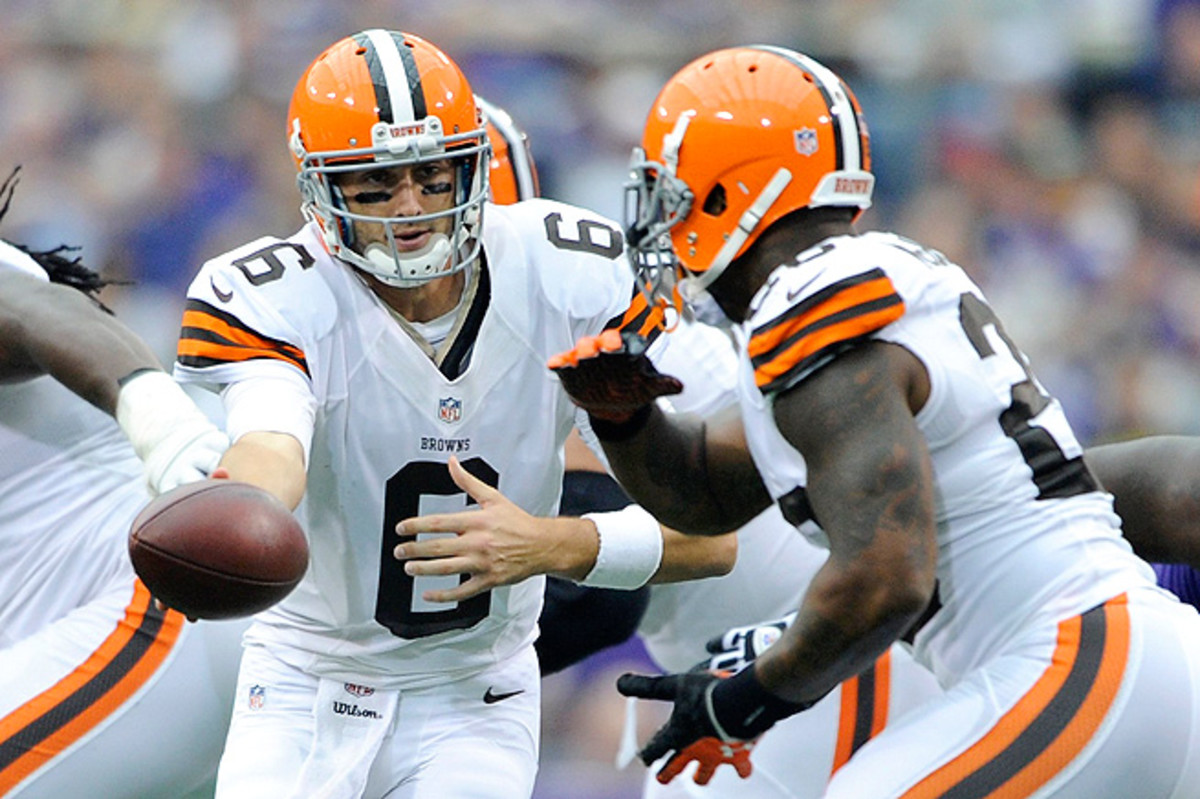 Brian Hoyer (left) and Willis McGahee helped the Browns snag a victory over the Vikings just days after the team traded Trent Richardson.