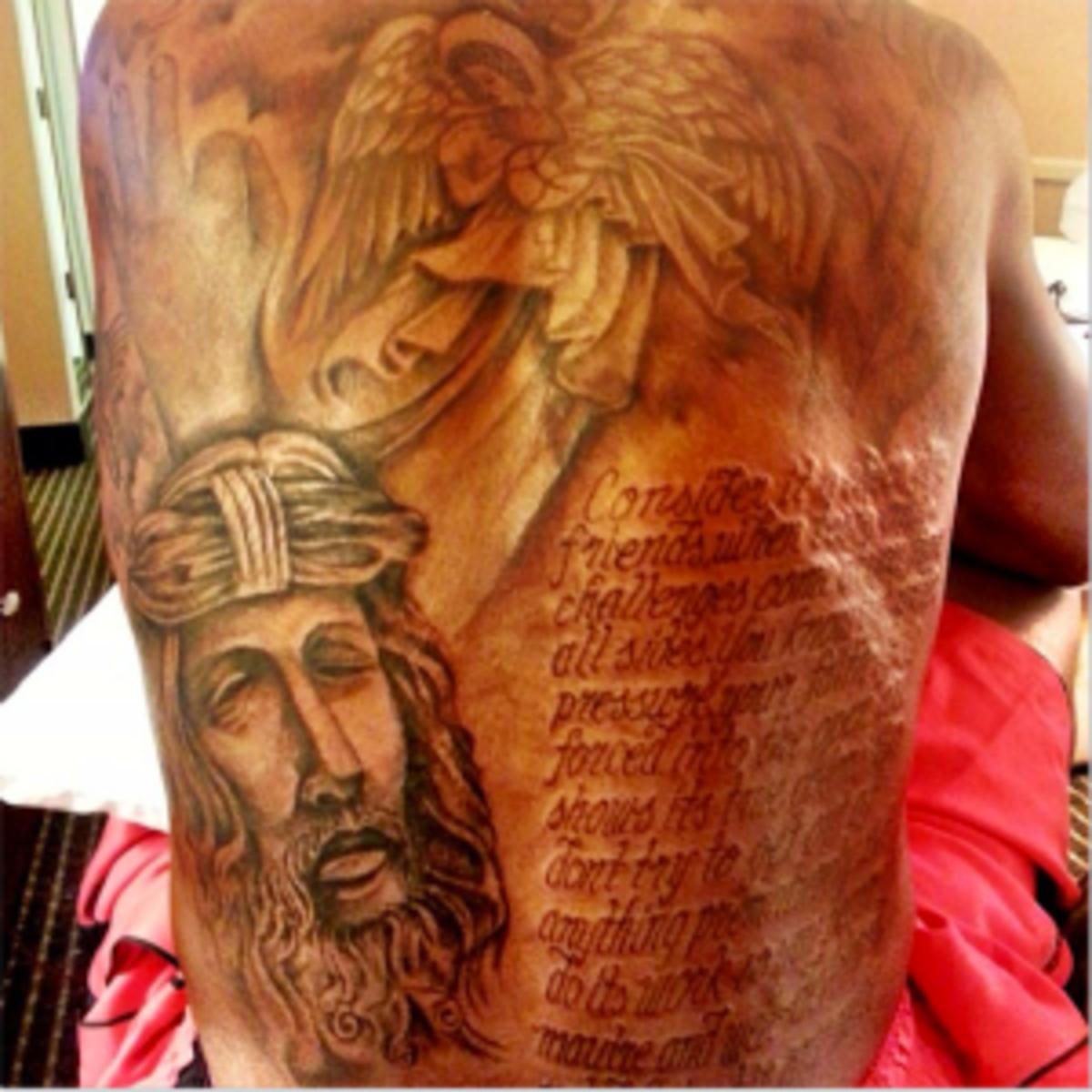 kevin durant back tattoo