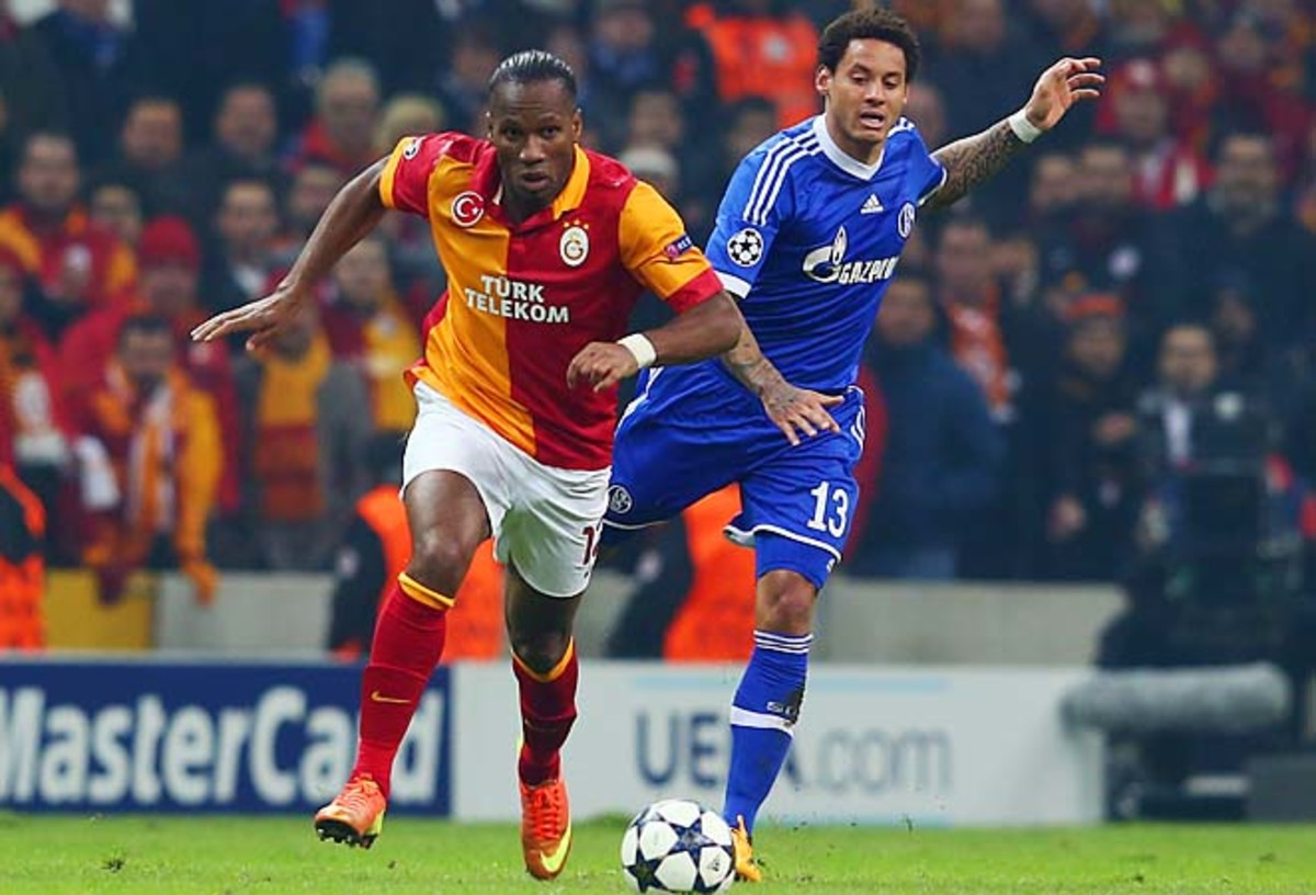 Didier Drogba (left) and Galatasaray are tied 1-1 with Schalke after the opening leg.