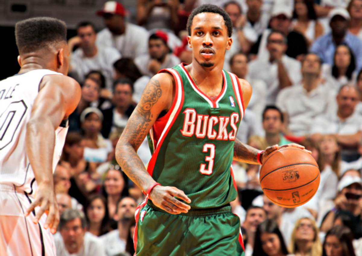 Brandon Jennings will join the Pistons on a three-year, $24 million contract. (Issac Baldizon/NBAE via Getty Images)