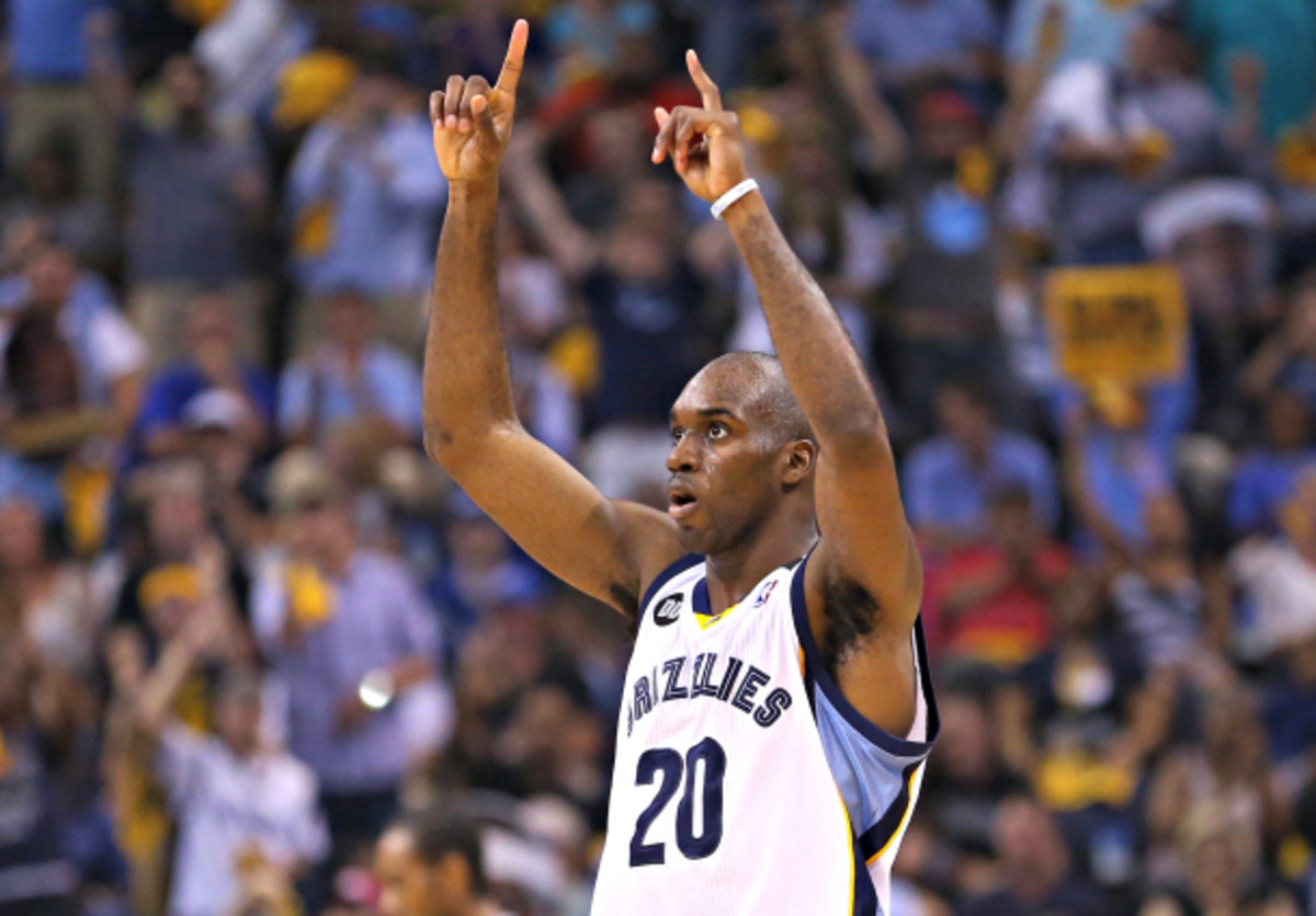 Quincy Pondexter is set to be a Grizzly through 2018. (Ronald Martinez/Getty Images)