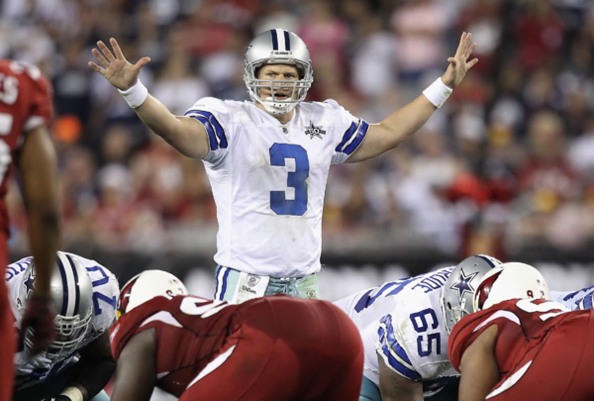 Jon Kitna is back on the sidelines, should the Cowboys need him. (Christian Petersen/Getty Images)