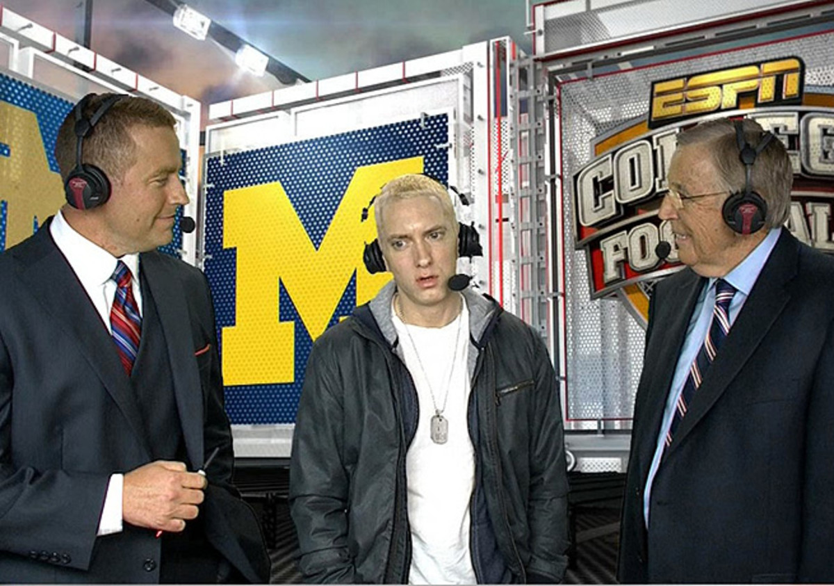 Brent Musburger (right) and Kirk Herbstreit (left) are a great team even when visited by odd guests.