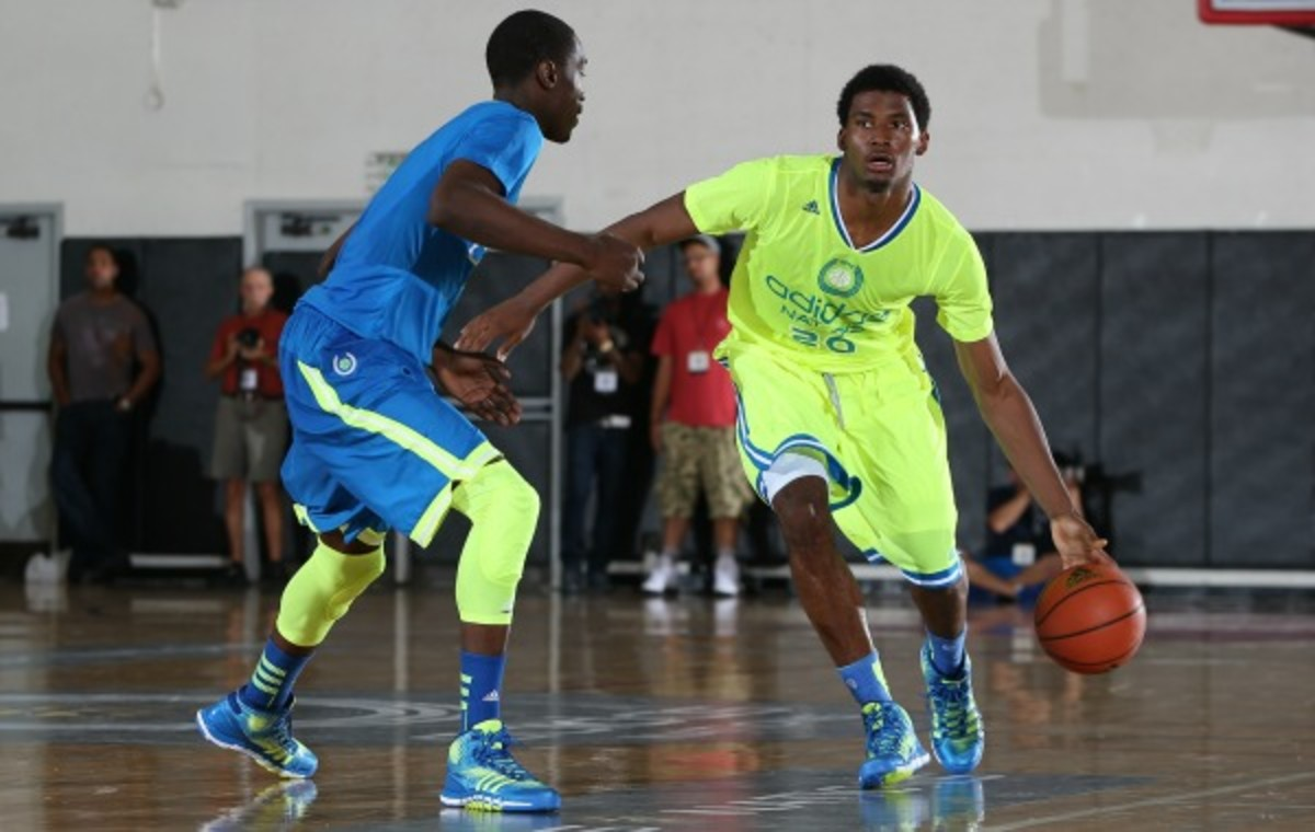 Justise Winslow (right) chose Duke over offers from Arizona, Stanford, Texas A&M and (Kelly Kline/Getty Images)