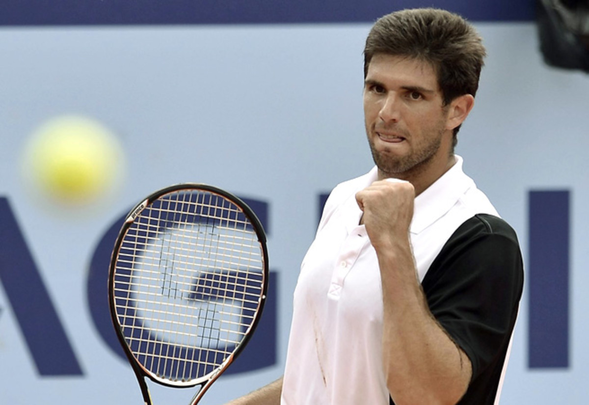 Federico Delbonis, who beat Roger Federer in Germany last week, took down Thomaz Bellucci in the Swiss Open.