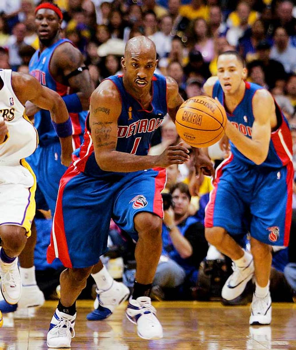 Detroit Pistons: 13