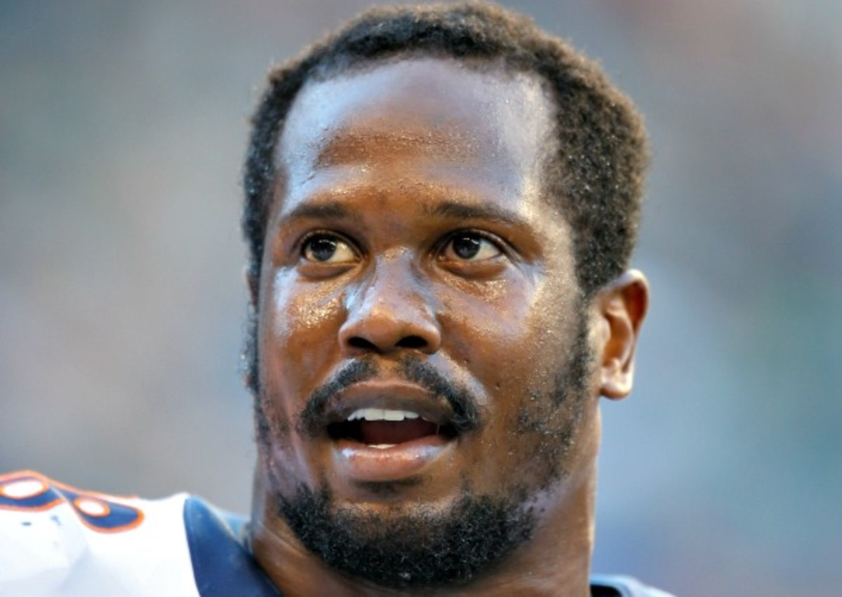 Von Miller will not appeal the NFL's six-game suspension. (Otto Gruele Jr./Getty Images)