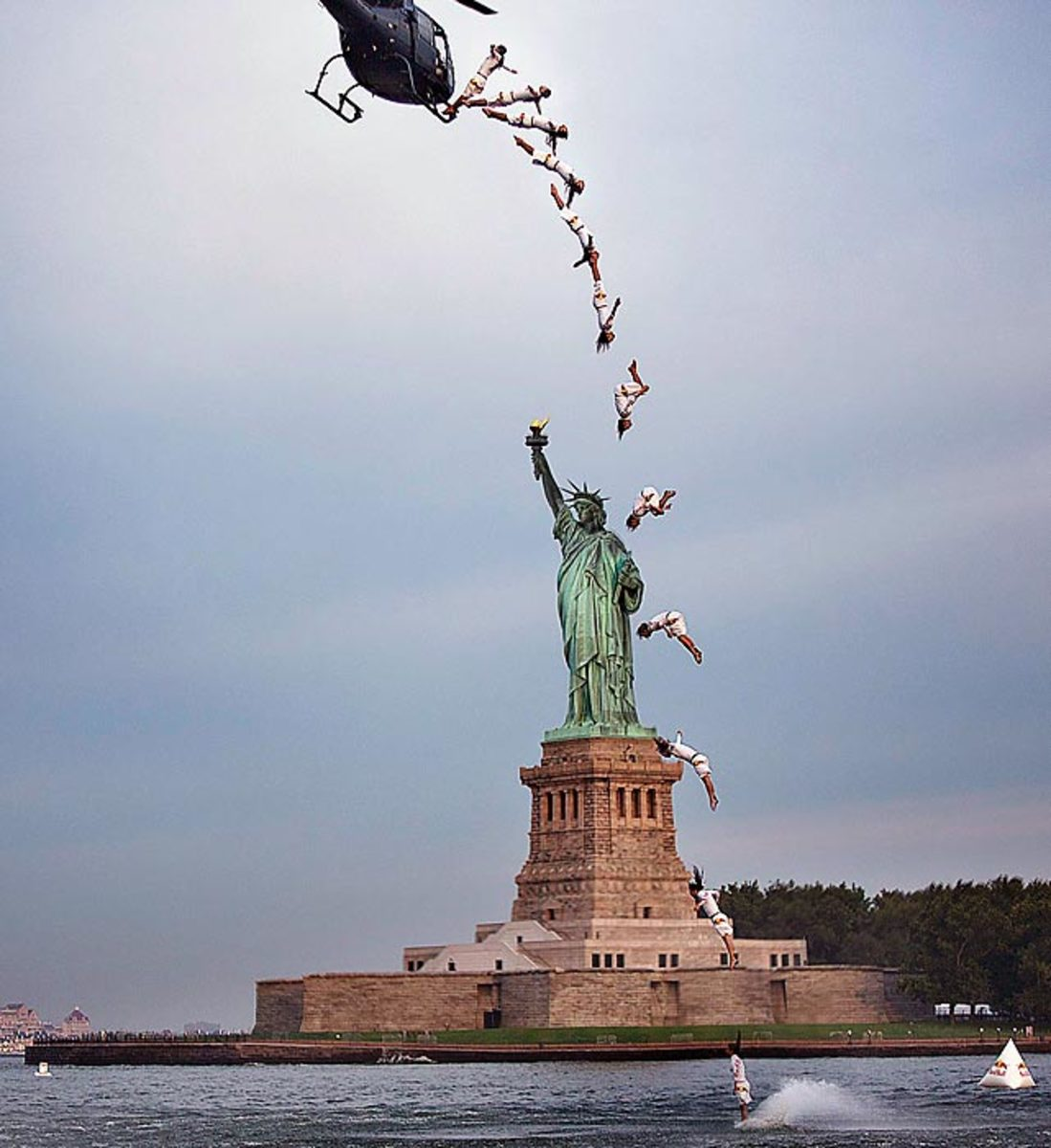 130819164002-red-bull-cliff-diving---statue-of-liberty---2-single-image-cut.jpg