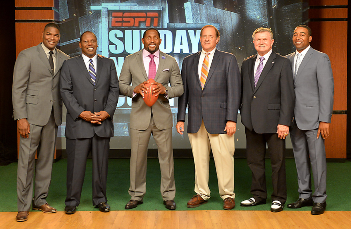 The ESPN Sunday Countdown crew. (From L to R: Keyshawn Johnson, Tom Jackson, new addition Ray Lewis, Chris Berman, Mike Ditka and Cris Carter)