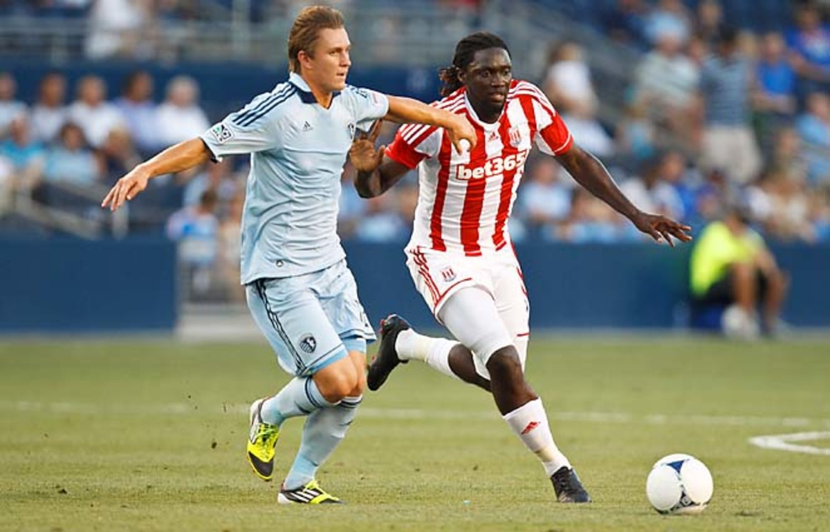 Konrad Warzycha (left) joins the Crew after a stint with Sporting Kansas City.
