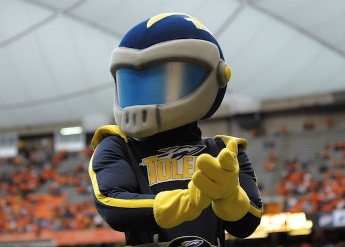 Who wins in a fight, a pack of wolves or a rocket? And could a wolf-rocket Voltron beat Bama? (AP)