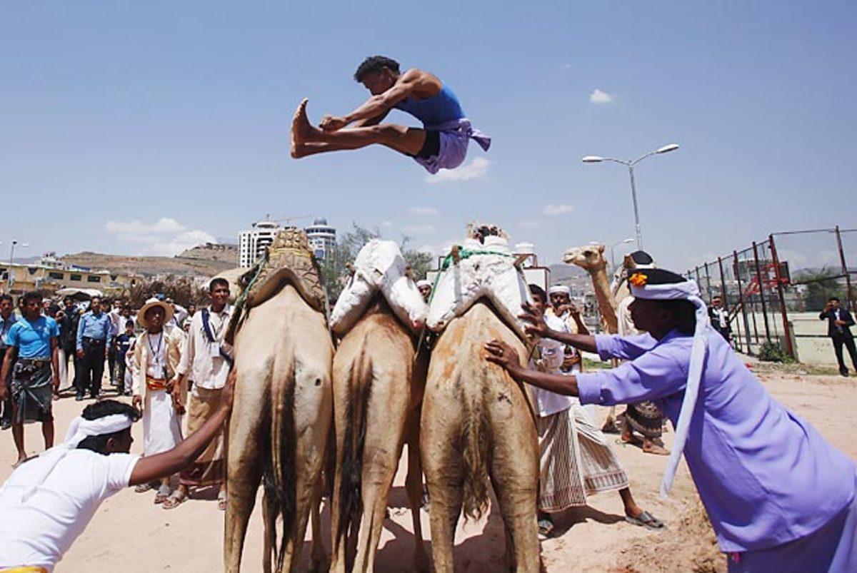 130823123451-camel-jumping-71-gm1e98k1f-single-image-cut.jpg