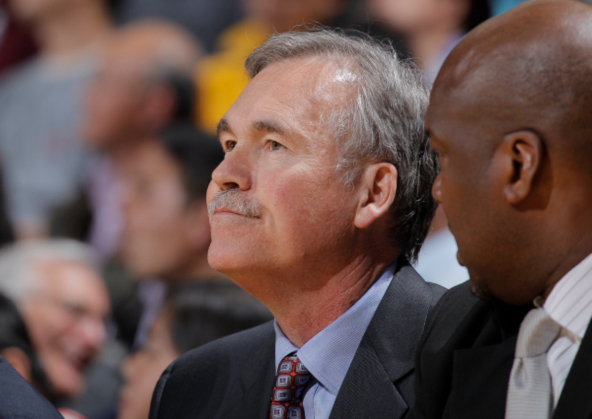 Lakers coach Mike D'Antoni sees room for improvement in L.A.'s defensive performance. (Rocky Widner/NBAE via Getty Images)