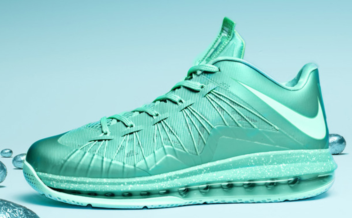 The Easter colorway for LeBron James' signature shoe (Nike).