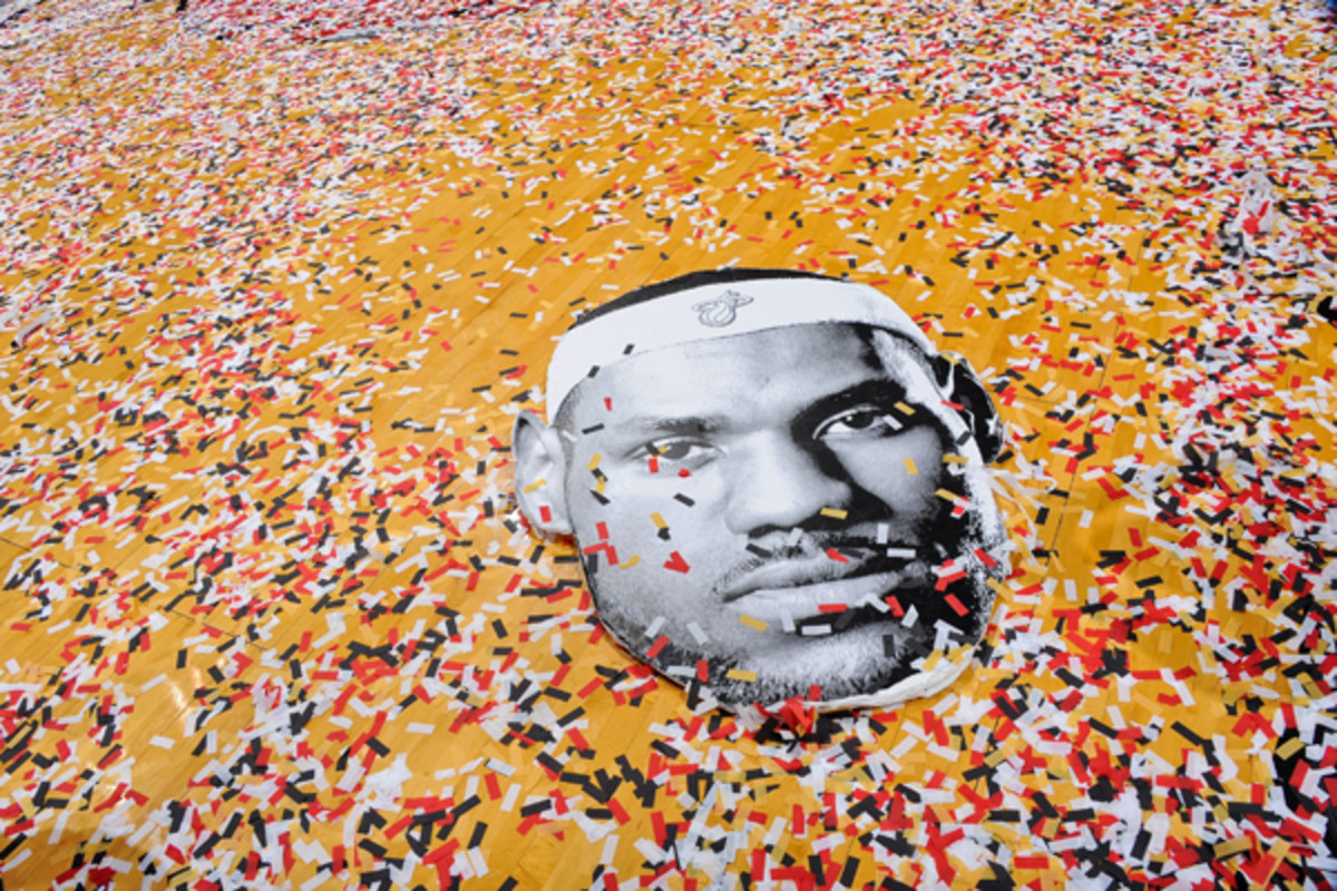 LeBron James :: Noah Graham/Getty Images