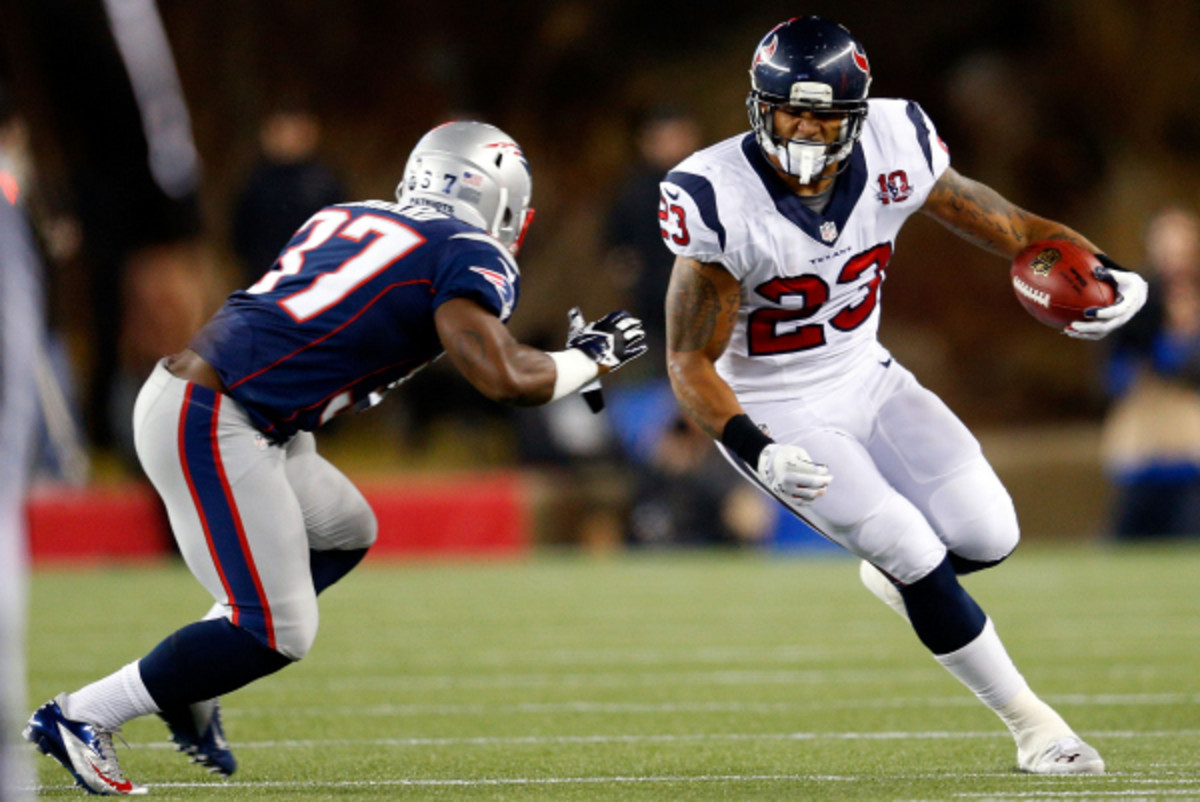 Arian Foster left practice with a strained calf muscle according to Texans coach Gary Kubiak. (Jim Rogash/Getty Images)