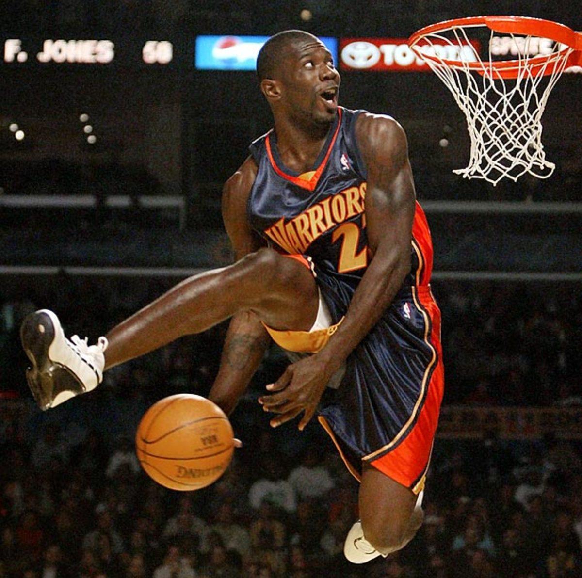 Not even Jason Richardson could redeem the 2004 dunk contest. (Kevork Djansezian/AP)