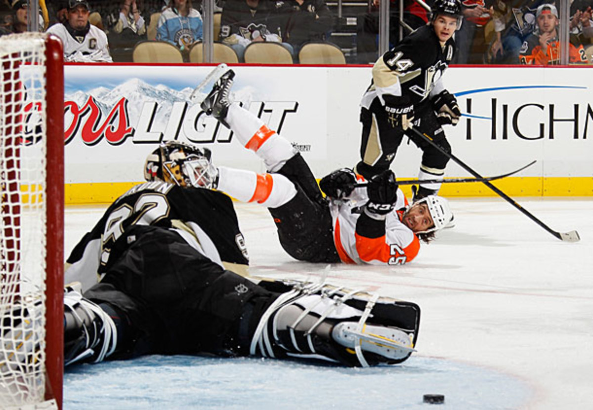 The Flyers and Penguins played another wild game.
