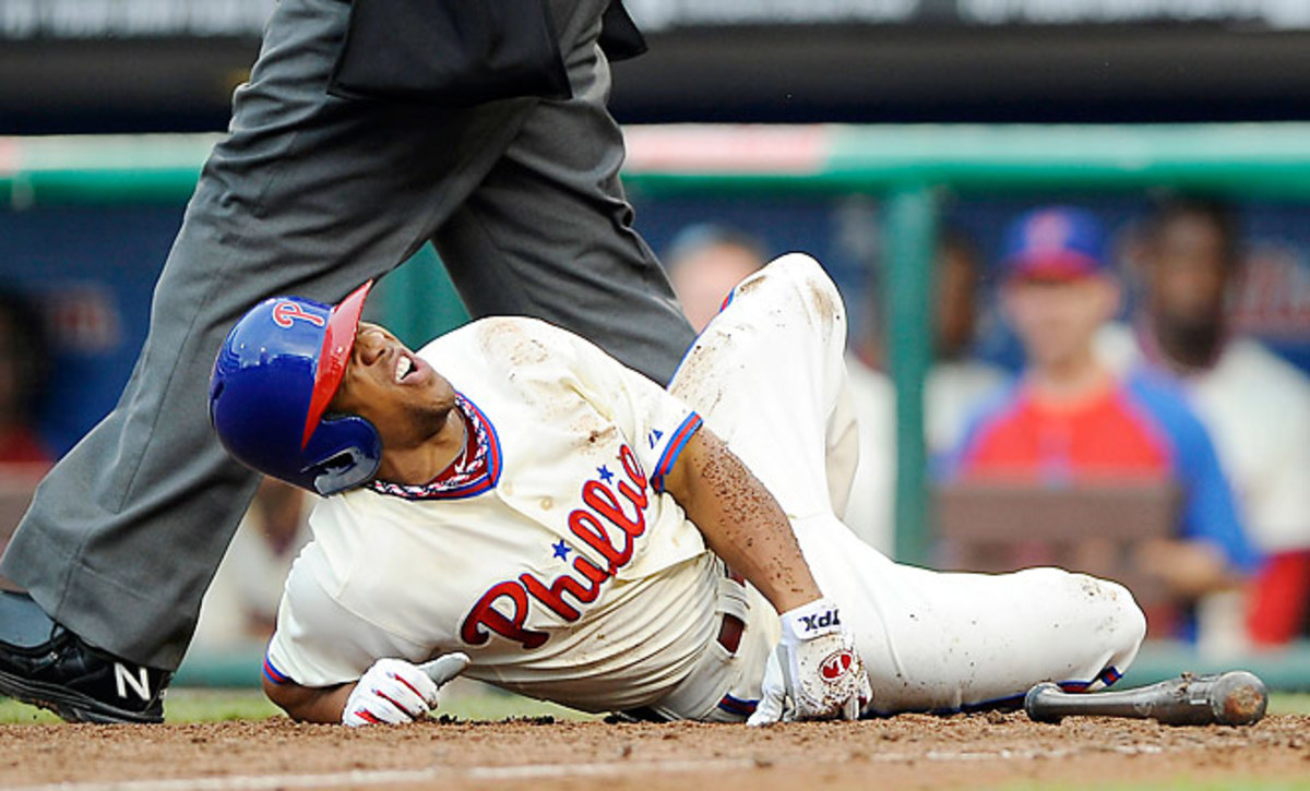 Ben Revere was injured after fouling a ball off his right foot against the White Sox on Saturday.