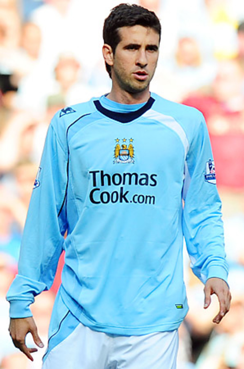 Glauber played for Manchester City in 2008 and 2009.