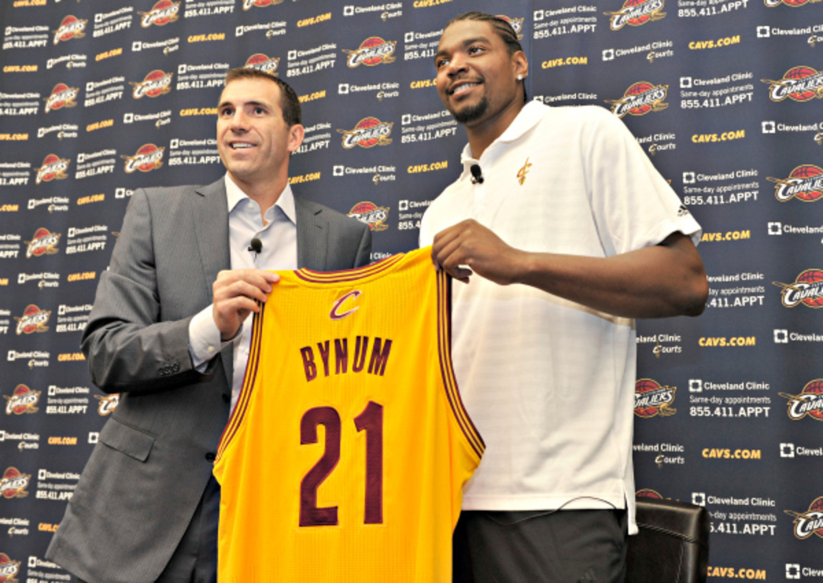 Cleveland made a calculated risk with the signing of Andrew Bynum. (David Liam Kyle/NBAE via Getty Images)