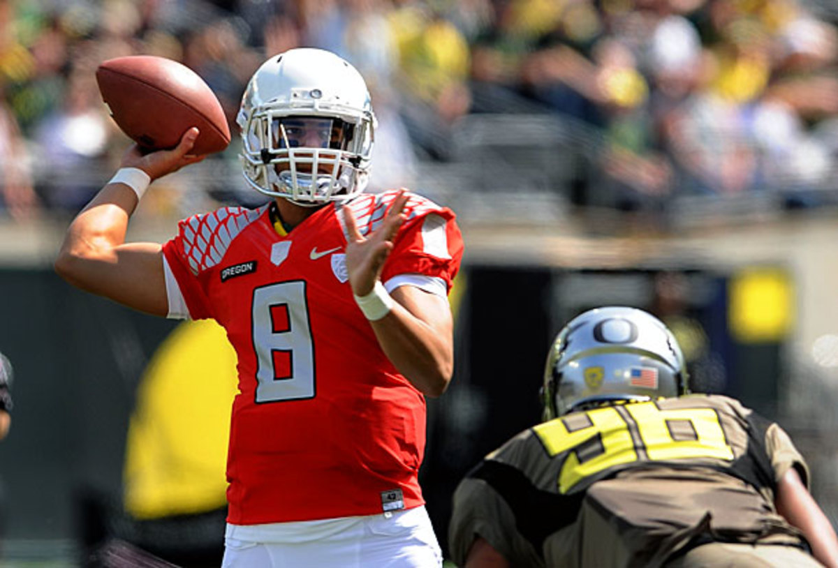 Marcus Mariota went 13-of-15 for 169 yards and two scores in Oregon's spring game on Saturday. (Steve Dykes/Getty Images)