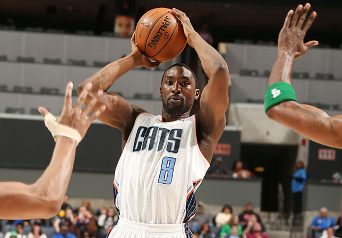 Ben Gordon looks for a teammate to pass to