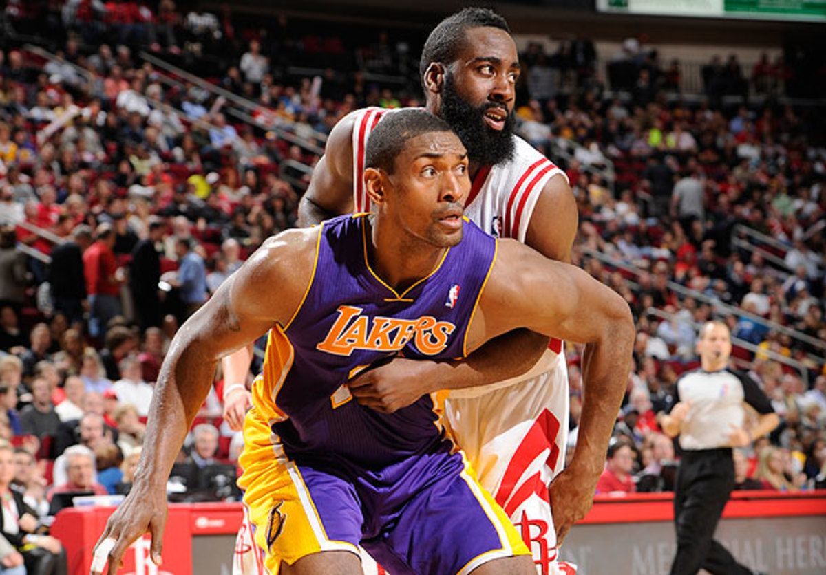 Metta World Peace boxes out James Harden