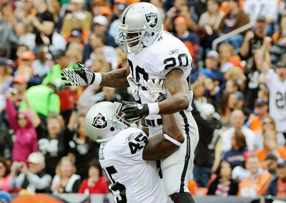 Darren McFadden (top) and Marcel Reece both provide the Raiders with a receiving threat out of the backfield.