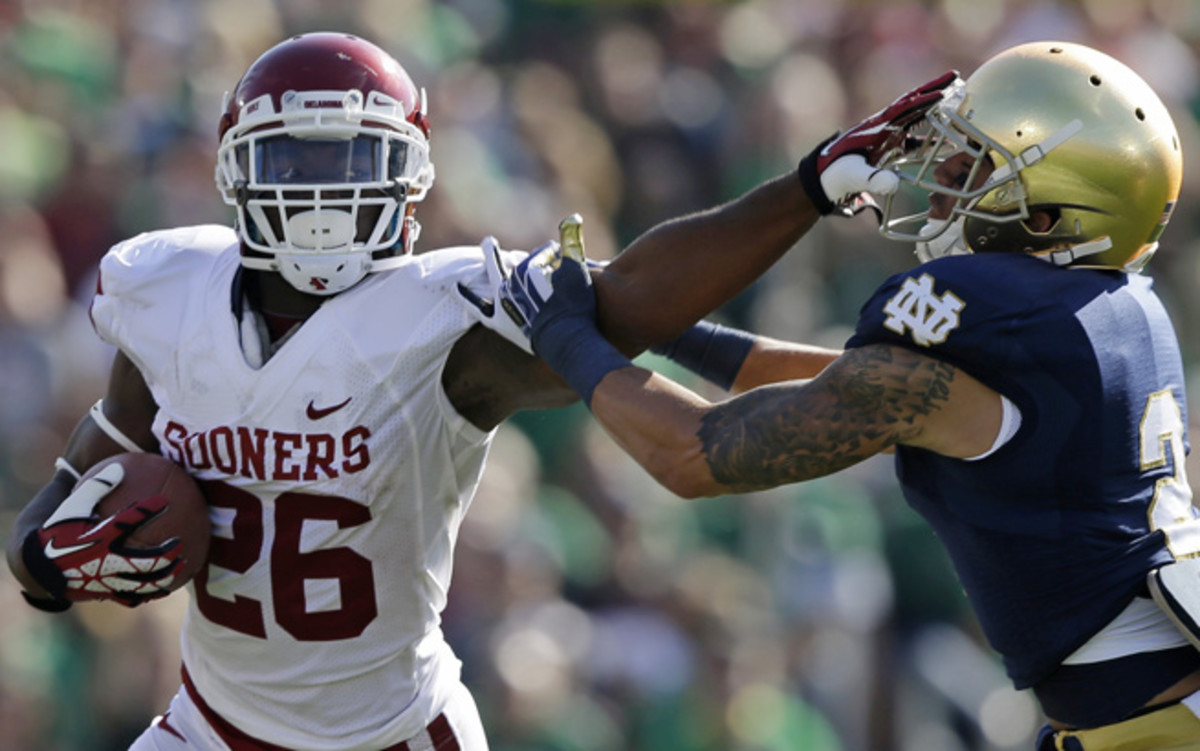 Notre Dame fell to 3-2 after losing 35-21 at home to Oklahoma, which moved up three spots.