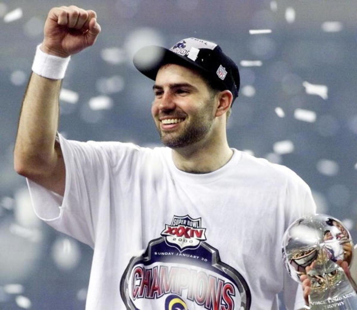 St. Louis Rams quarterback Kurt Warner celebrates