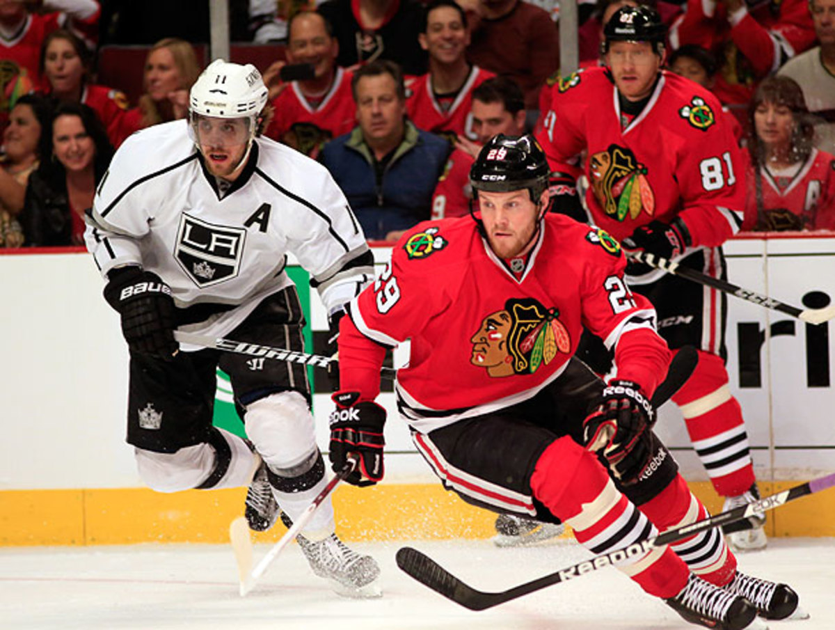 Anze Kopitar (left) has struggled to keep up with Bryan Bickell and the rest of the Blackhawks (Jamie Squire/Getty Images)