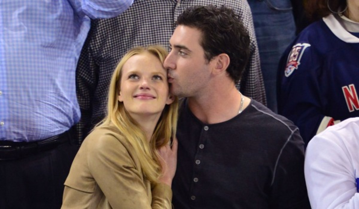 Matt Harvey and Anne V have been linked romantically. (Photo by James Devaney/WireImage)
