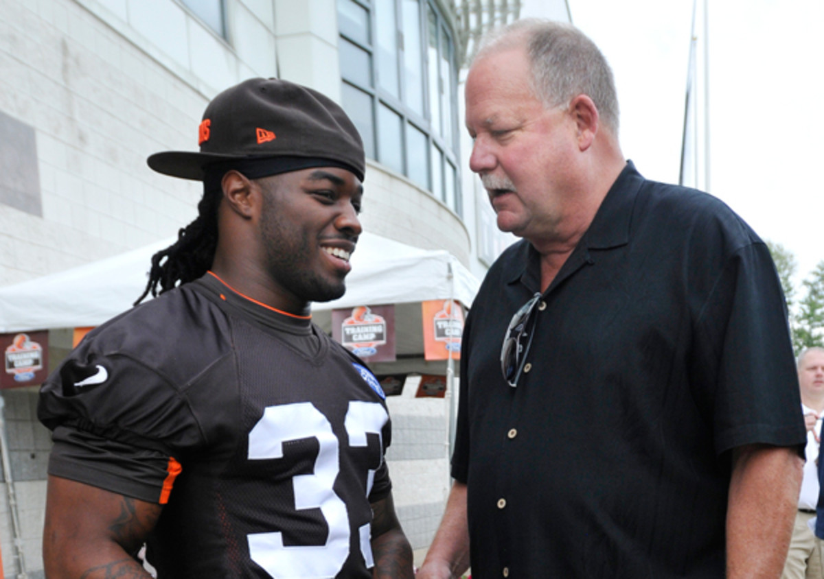 Trent Richardson and Mike Holmgren in August, 2013. (David Richard/AP)