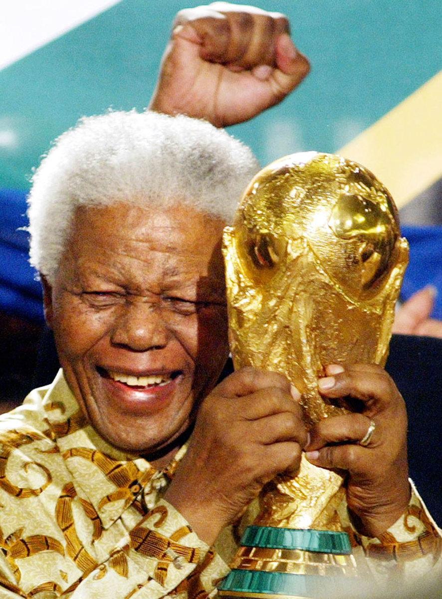 2004-Nelson-Mandela-World-Cup-trophy.jpg