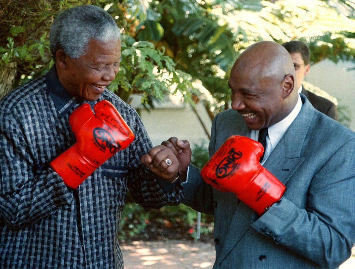 1997-Nelson-Mandela-Marvin-Hagler.jpg