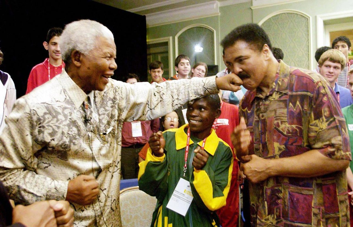 2003-Nelson-Mandela-Muhammad-Ali.jpg