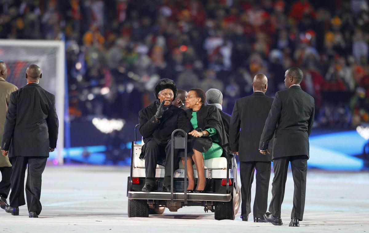 2010-Nelson-Mandela-wife-Graca-Machel-opov-46768.jpg