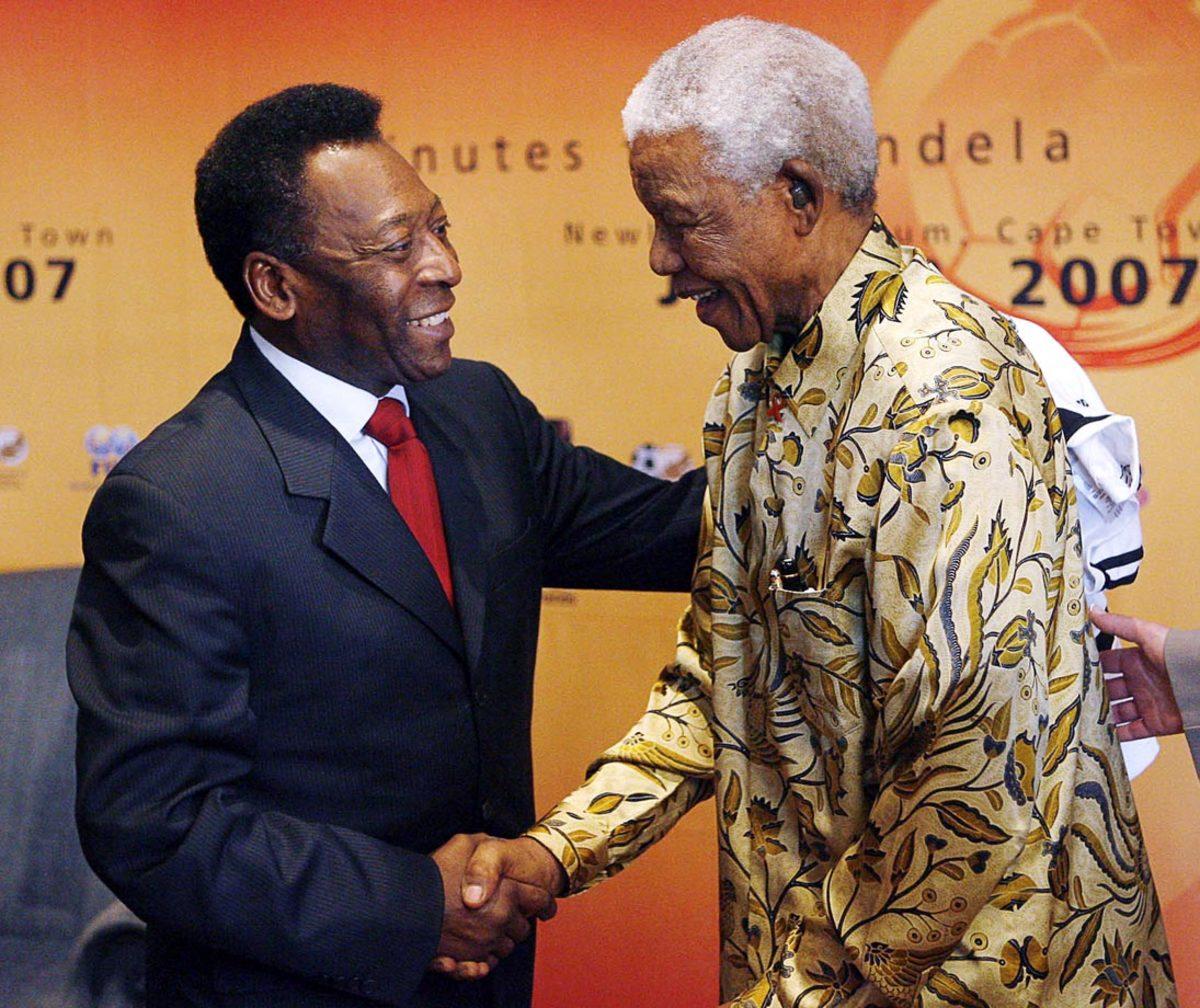 2007-Nelson-Mandela-Pele.jpg
