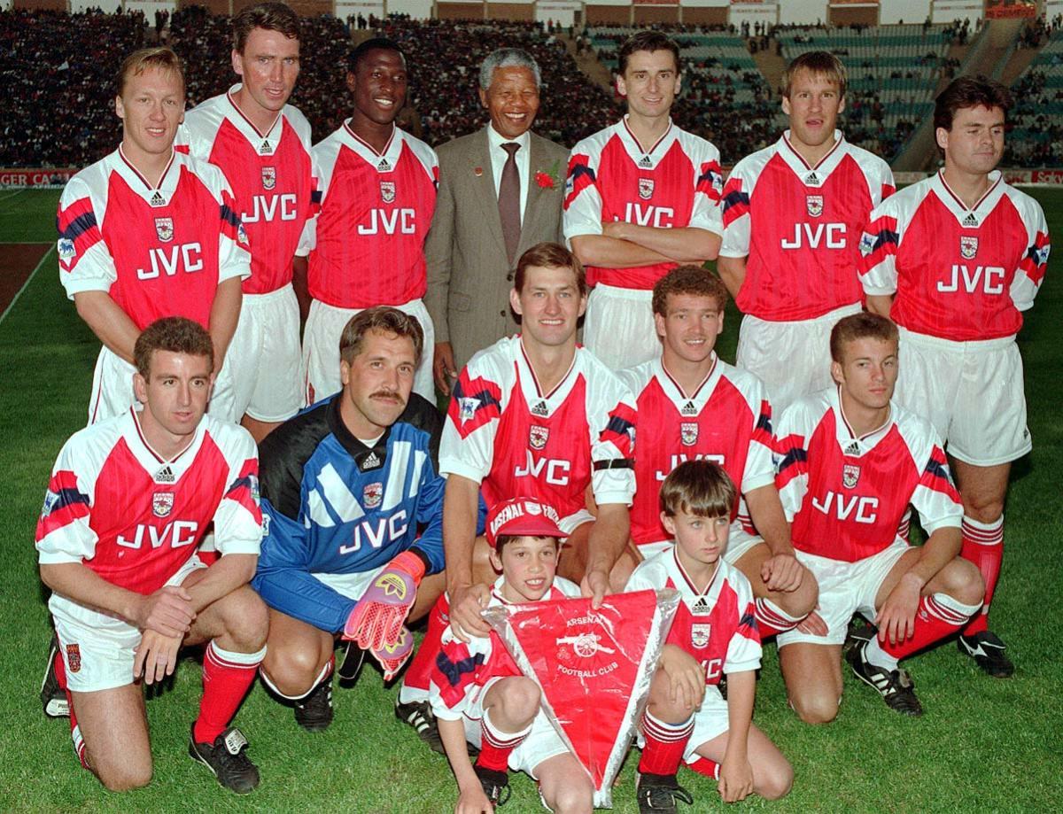 1993-Nelson-Mandela-Arsenal.jpg