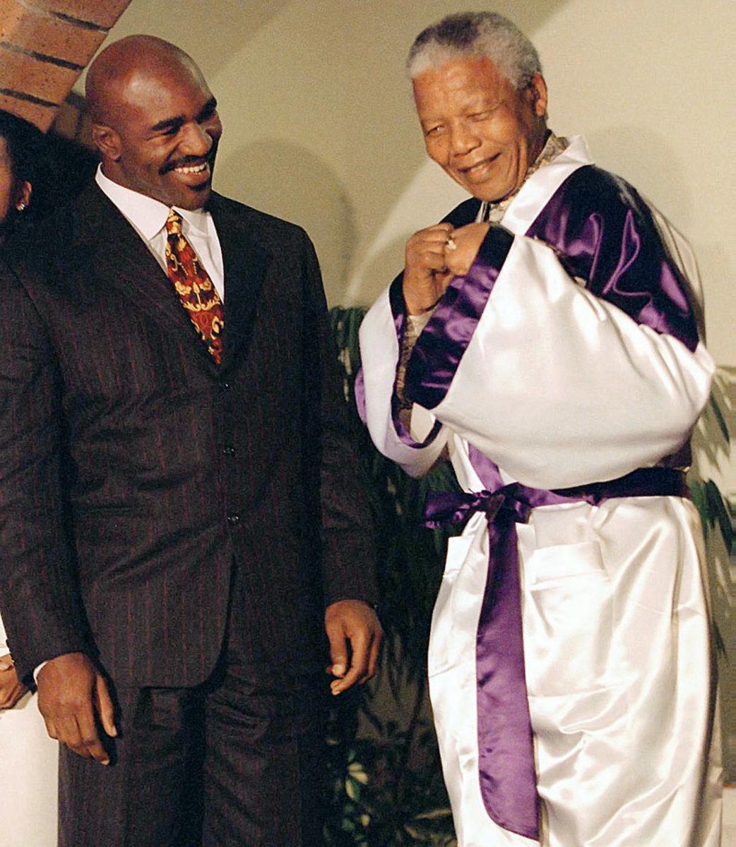 1997-Nelson-Mandela-Evander-Holyfield.jpg